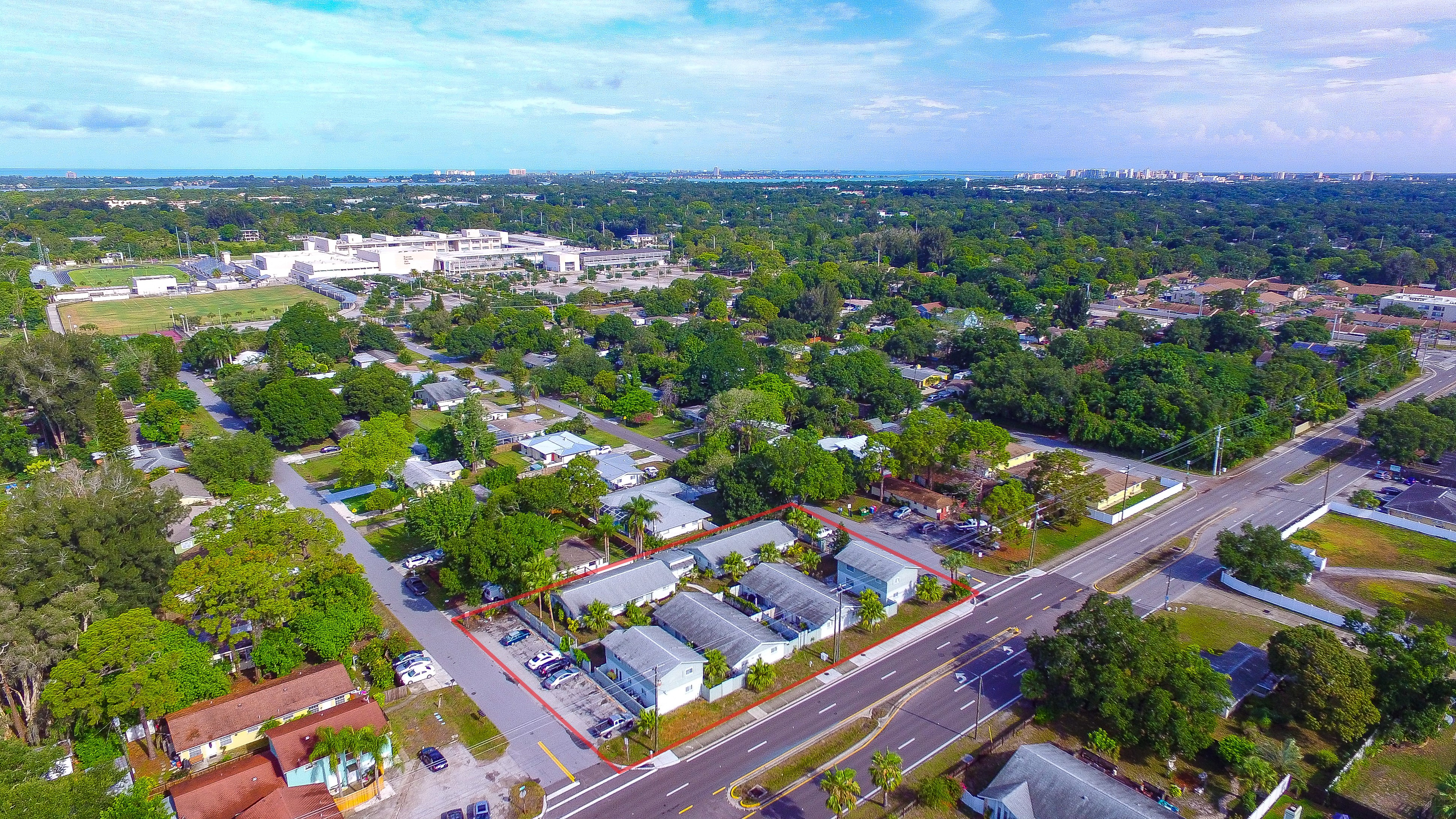 JUST SOLD! 12 Unit Apartment Building in Sarasota, FL