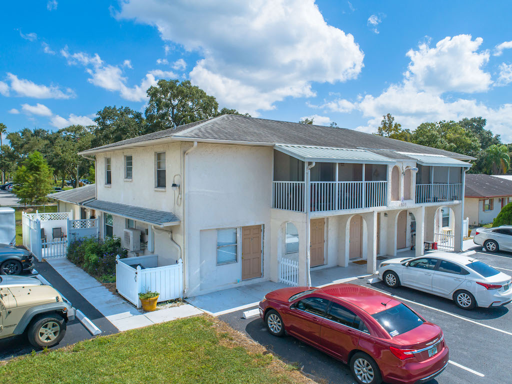 The Multifamily Firm Brokers 8-Unit Apartment Building Sale in Bradenton, Florida