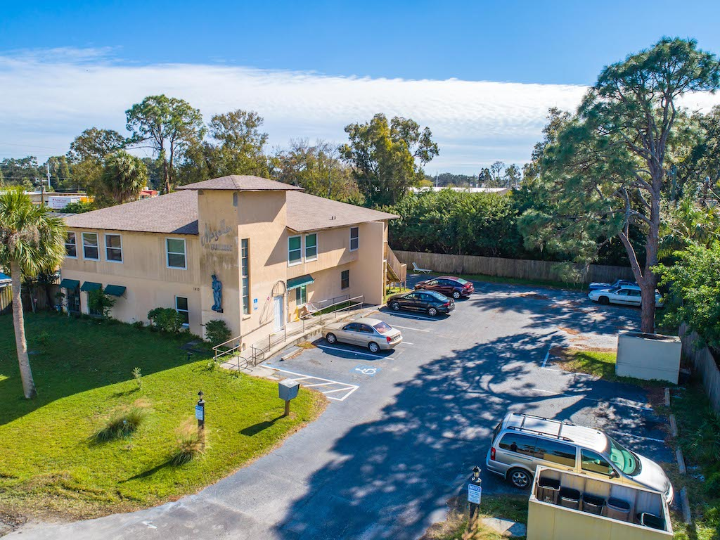 The Multifamily Firm Brokers Sale of 16-Unit Multifamily Property in Sarasota, Florida